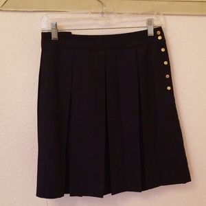 Tommy Hilfiger pleated skirt. Navy blue.